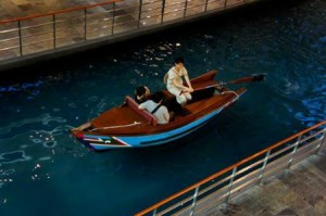 marina-bay-sands-shoppes-sampan-ride