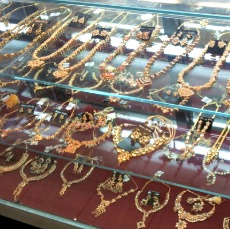 mustafa-centre-gold-jewelry2