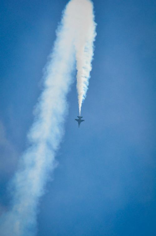 singapore-airshow-aerial-display-nicholastang11