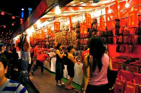 singapore-chinatown-chinese-new-year-chinese-sausages
