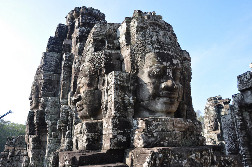 bayon-temple-smiling-faces